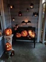 Unique Halloween Porch Ideas On A Budget40