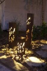 Unusual Lights Design Ideas To Beautify The Garden04
