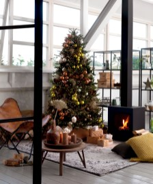 Wonderful Interior And Exterior Atmosphere Ideas For Christmas Décor To Copy12