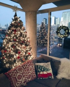Wonderful Interior And Exterior Atmosphere Ideas For Christmas Décor To Copy24