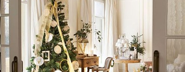 Wonderful Interior And Exterior Atmosphere Ideas For Christmas Décor To Copy25