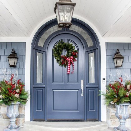 Wonderful Interior And Exterior Atmosphere Ideas For Christmas Décor To Copy28