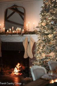 Astonishing Holiday Decorating Ideas With Lights To Try This Season 20