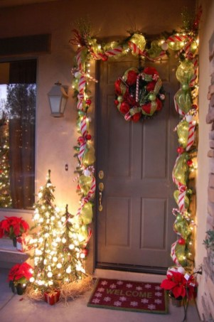 Astonishing Holiday Decorating Ideas With Lights To Try This Season 32