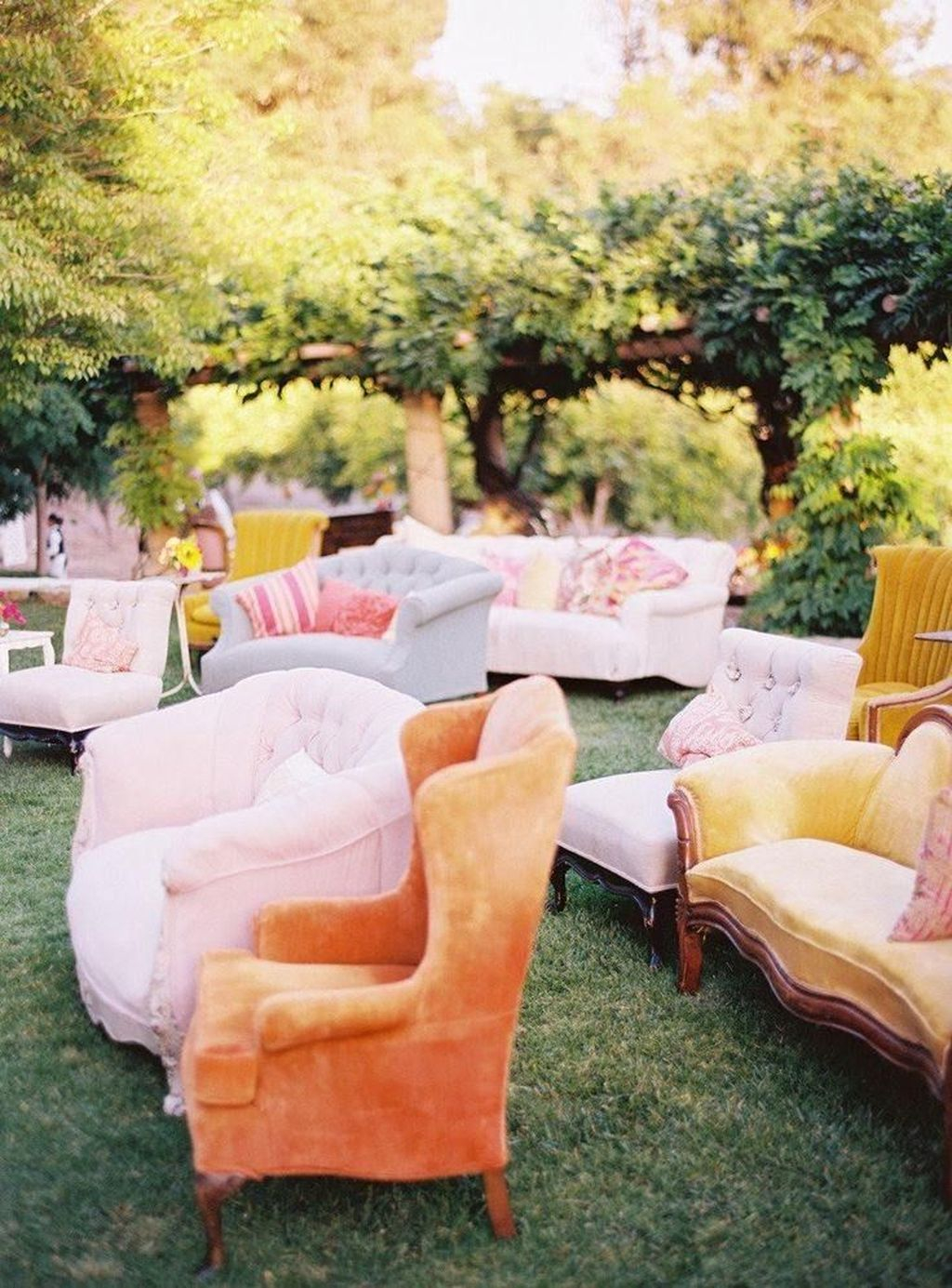 Attractive Summer Wedding Decor For Outdoor Ideas To Try Asap 09