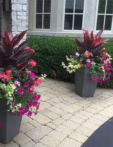 Chic Summer Planter Design Ideas For Summer Outdoor Pool 12