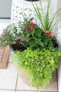 Chic Summer Planter Design Ideas For Summer Outdoor Pool 20