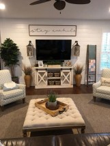Comfy Farmhouse Living Room Decor Ideas That Make You Feel In Village 16