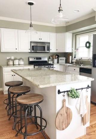Cozy Farmhouse Home Decor Ideas To Get A Past Impression 38