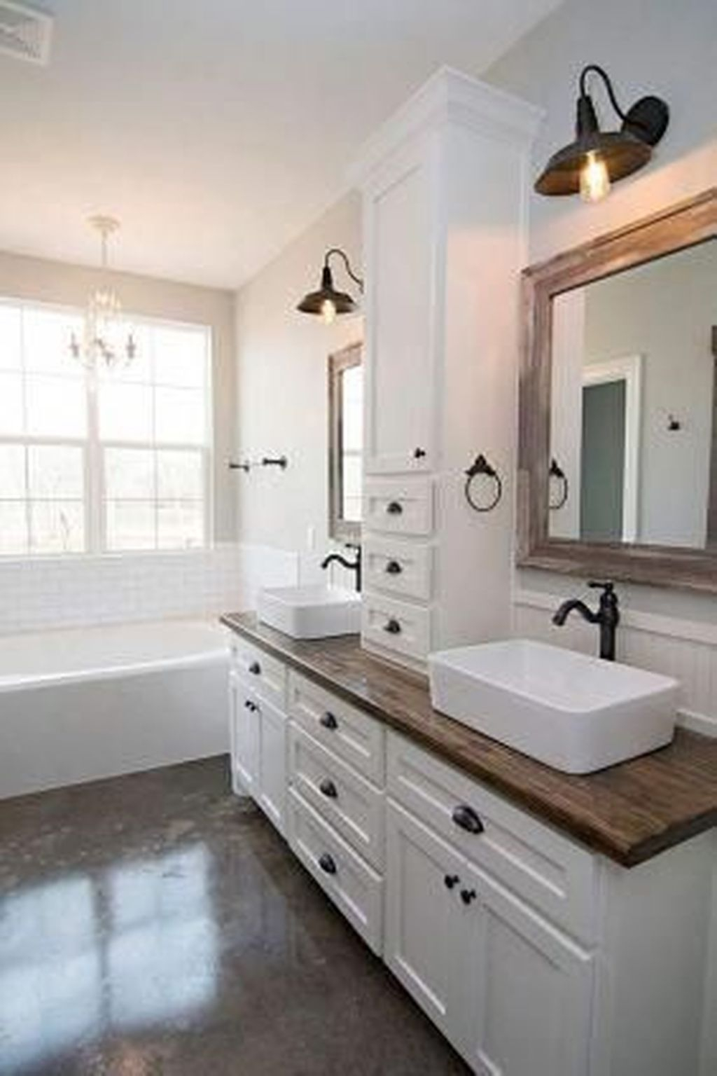 Gorgeous Farmhouse Master Bathroom Remodel Ideas That You Will See 35