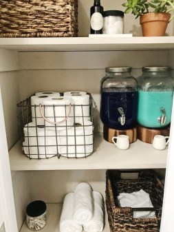Impressive Bathroom Organization Ideas For Your First Apartment In College 04
