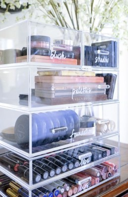 Impressive Bathroom Organization Ideas For Your First Apartment In College 26