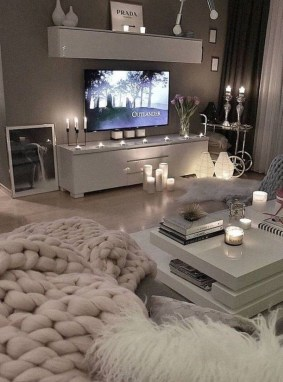 Lovely Living Room Decor Ideas That Cozy And Chic 27