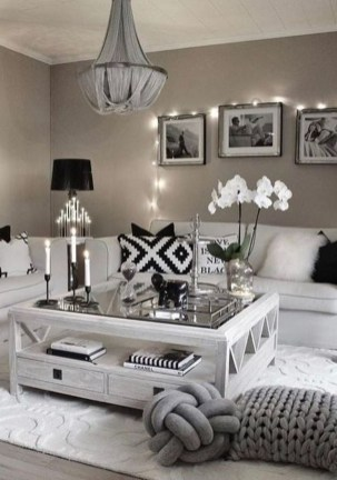Lovely Living Room Decor Ideas That Cozy And Chic 32