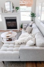 Lovely Living Room Decor Ideas That Cozy And Chic 33
