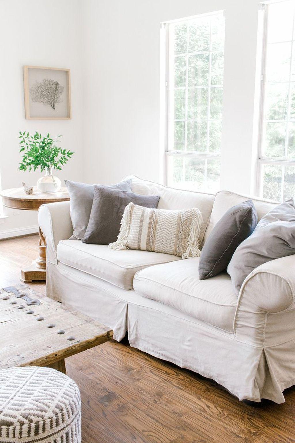 Rustic Farmhouse Furniture Design Ideas For Living Room 04