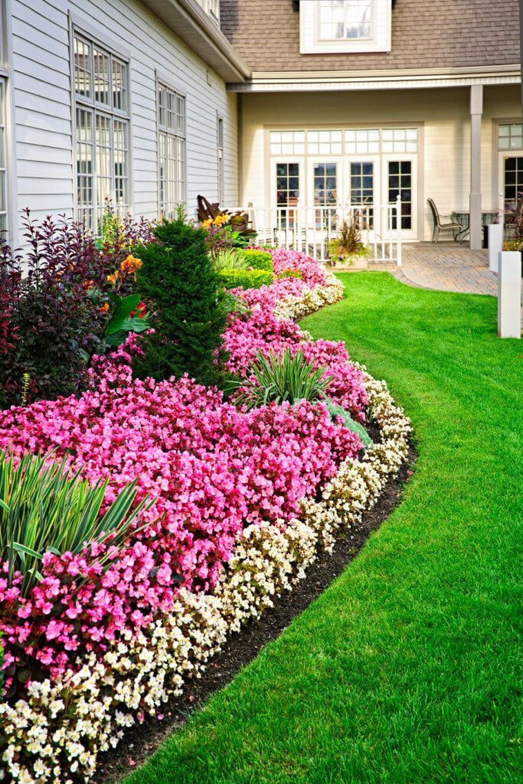 Unique Diy Flower Bed Ideas For Front Yard To Try 10