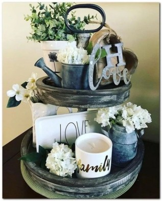 Vintage Farmhouse Summer Decor Ideas To Try Asap 26