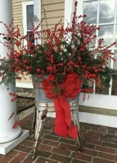 Affordable Christmas Porch Decoration Ideas To Try This Season 12