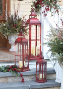 Affordable Christmas Porch Decoration Ideas To Try This Season 19