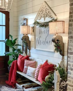 Affordable Christmas Porch Decoration Ideas To Try This Season 20