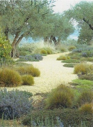 Awesome Mediterranean Garden Design Ideas For Your Backyard 08