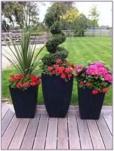 Dreamy Front Door Flower Pots Design Ideas To Increase Your Home Beauty 24