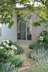 Elegant White Plants Garden Design Ideas For You 01
