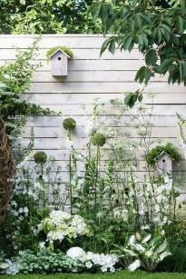 Elegant White Plants Garden Design Ideas For You 12