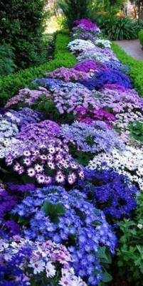Favorite Garden Design Ideas That Are Suitable For Your Home 41