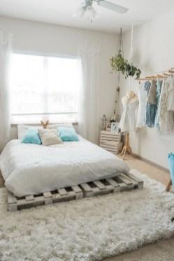 Gorgeous Beachy Farmhouse Bedroom Design Ideas For Cozy Sleep 33