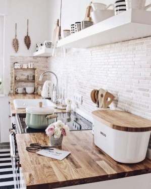 Incredible Small Kitchens Design Ideas That Space Saving 27