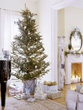 Luxury Christmas Decor Ideas For Small Space To Try 04