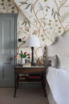 Relaxing Bedroom Wallpaper Decoration Ideas For Comfortable Bedroom 11