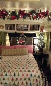 Sophisticated Christmas Rv Decorations Ideas For Valuable Moment 05