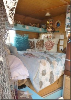 Sophisticated Christmas Rv Decorations Ideas For Valuable Moment 06