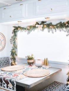 Sophisticated Christmas Rv Decorations Ideas For Valuable Moment 14