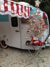 Sophisticated Christmas Rv Decorations Ideas For Valuable Moment 24