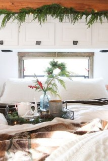 Sophisticated Christmas Rv Decorations Ideas For Valuable Moment 32