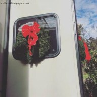 Sophisticated Christmas Rv Decorations Ideas For Valuable Moment 37