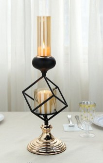 Stunning Large Candle Holders Decoration Ideas For Romantic Homes 05