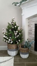 Beautiful Farmhouse Christmas Decor Ideas To Have Right Now 04