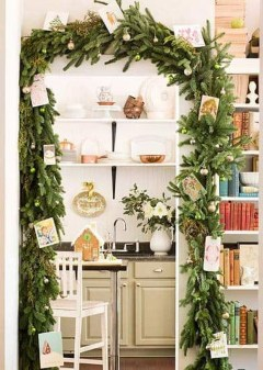 Pretty Christmas Decor Ideas For Small Space To Try Asap 11