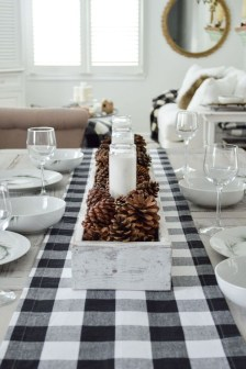 Pretty Winter Table Decoration Ideas For A Romantic Dinner 04