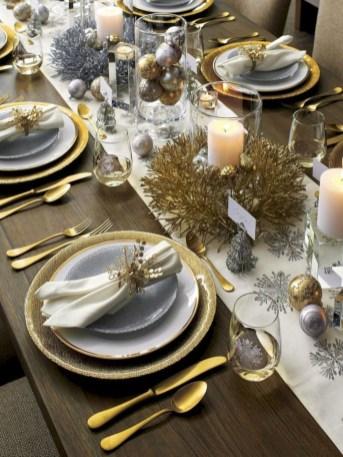 Pretty Winter Table Decoration Ideas For A Romantic Dinner 12