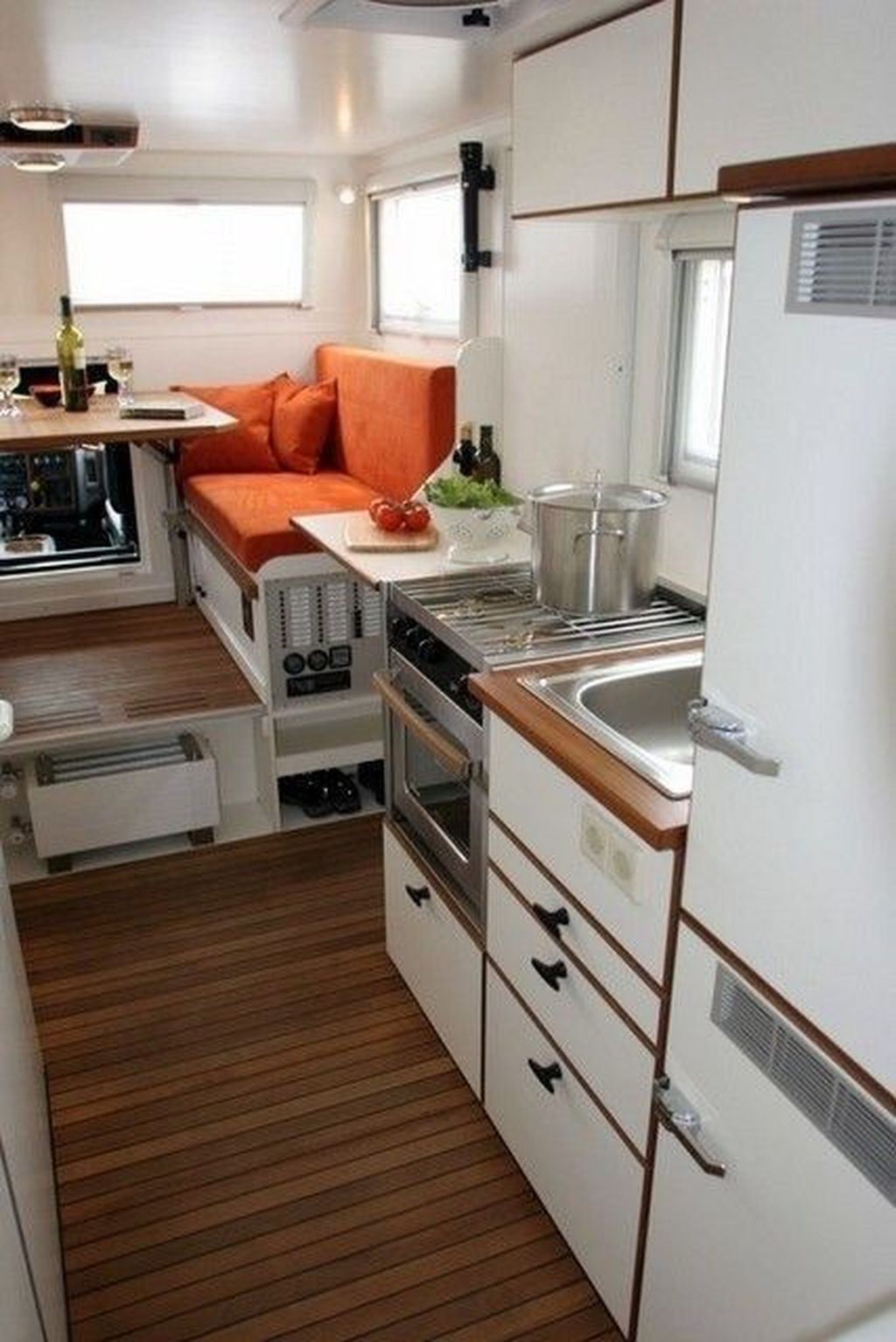 Relaxing Rv Kitchen Design Ideas For More Comfortable Cooking During The Holiday 13