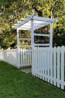 Surpising Fence Design Ideas To Enhance Your Beautiful Yard 17