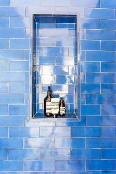 Chic Blue Shower Tile Design Ideas For Your Bathroom 14