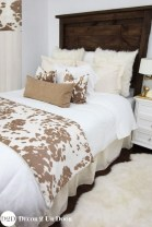 Cozy Small Master Bedroom Decoration Ideas To Copy Soon 09
