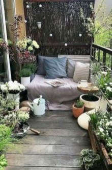 Enchanting Balcony Decoration Ideas For Apartment For A Cleaner Look 04